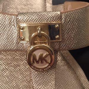 """Michael Kors Shoes - 🆕Michael Kors Pale Gold """"Hamilton"""" Sandals."""